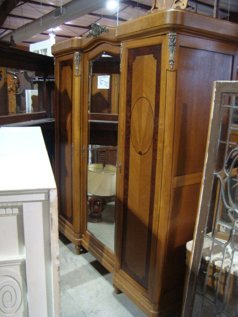 Antique Bedroom Sets Amp Carved Wooden Armoire In