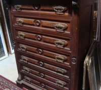 15-antique-bedroom-dresser