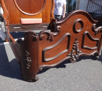 91-antique-carved-bed