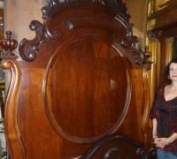 97-antique-carved-bed