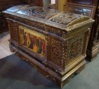 27-antique-carved-chest-museum-pc-circa-1500-48-w-all-original