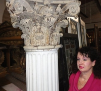 11-antique-iron-capital-and-column