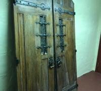 22F..GREAT CASTLE ANTIQUE DOOR
