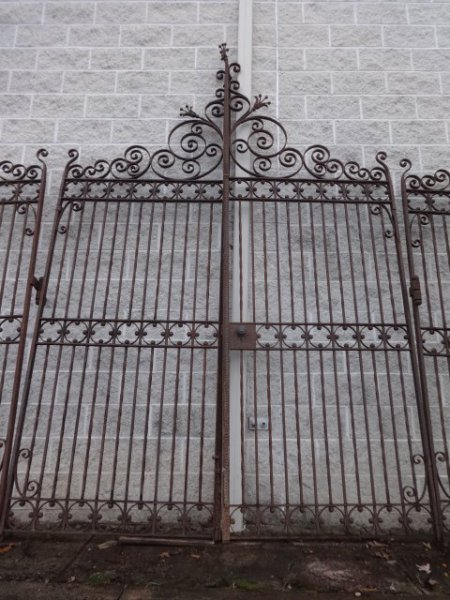 Antique Iron Fence And Driveway Gates Tables Amp Beds For