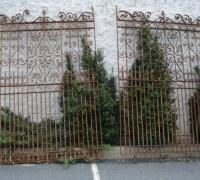 10-large-antique-iron-gates-12-w-x-9-h