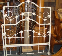 55-antique-iron-bed
