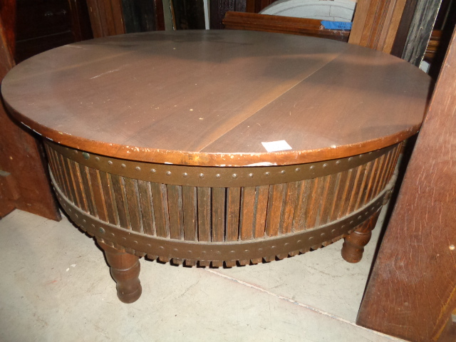 Antique carved furniture end dining coffee tables for for Architectural salvage coffee table
