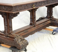289 - 79  X    32    X  31 H      GREAT   CARVED  TABLE