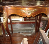 41-antique-ormolu-mount-table